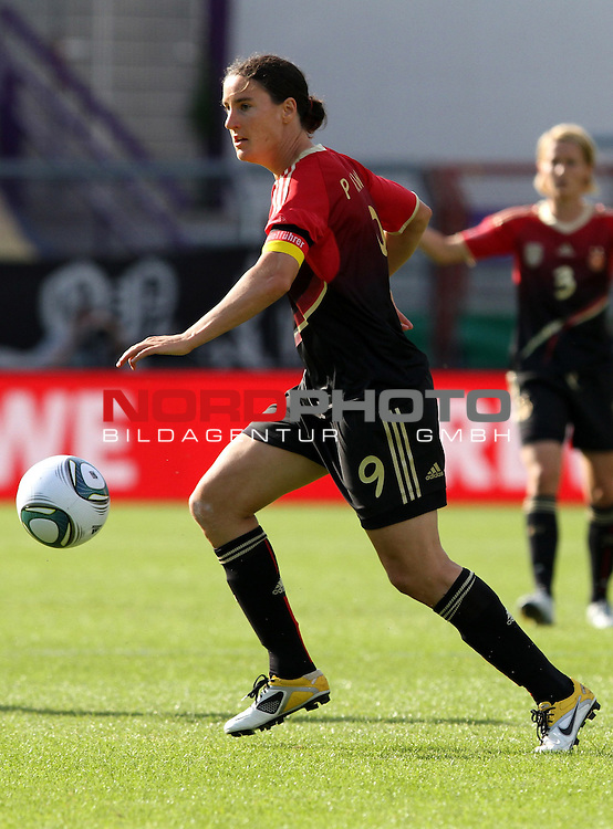 03.06.2011, Osnatel Arena, Osnabrueck, GER, WM 2012 FSP,  Deutschland (GER) vs Italien (ITA), <br /> im Bild Birgit Prinz (GER) during the WM 2011 Friendly Game, Germany vs Italy, at Osnatel Arena, Osnabr&uuml;ck, 2011-06-03, <br /> Foto &copy; nph / Hessland *** Local Caption ***