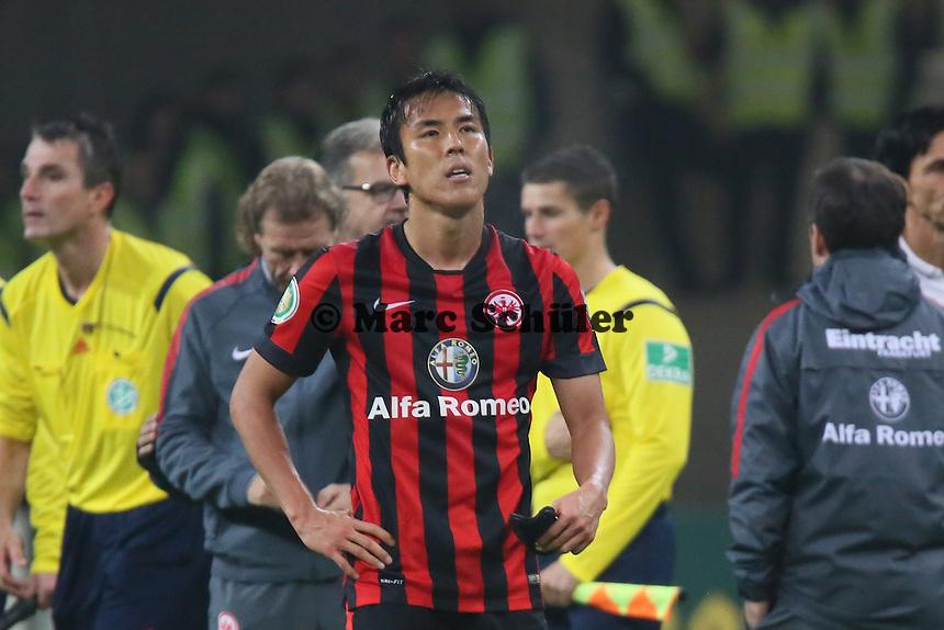 Frust bei Makoto Hasebe (Eintracht) nach der Niederlage - Eintracht Frankfurt vs. Borussia Mönchengladbach, DFB-Pokal 2. Runde, Commerzbank Arena