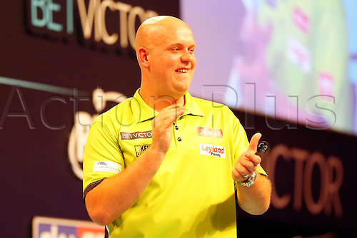 23.07.2016. Empress Ballroom, Blackpool, England. BetVictor World Matchplay Darts. Michael van Gerwen celebrates his 17-9 win over Adrian Lewis