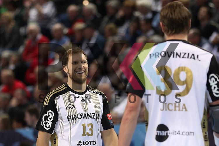 Kiel, 95.02.15, Sport, Handball, Champions League, Gruppenphase, THW Kiel - HC Meshkov Brest : Steffen Weinhold  (THW Kiel, #13), Filip Jicha (THW Kiel, #39)<br /> <br /> Foto &copy; P-I-X.org *** Foto ist honorarpflichtig! *** Auf Anfrage in hoeherer Qualitaet/Aufloesung. Belegexemplar erbeten. Veroeffentlichung ausschliesslich fuer journalistisch-publizistische Zwecke. For editorial use only.