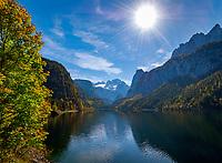 Austria, Upper Austria, Salzkammergut, Gosau: Gosau Lake with Dachstein mountains and Great Gosau Glacier | Oesterreich, Oberoesterreich, Salzkammergut, Gosau: der vordere Gosausee vorm Dachsteingebirge mit dem Grossen Gosaugletscher