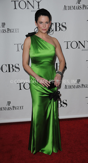 WWW.ACEPIXS.COM . . . . .  ....June 7 2009, New York City....Actress Lauren Graham at the 63rd Annual Tony Awards at Radio City Music Hall on June 7, 2009 in New York City.....Please byline: KRISTIN CALLAHAN -  ACE PICTURES.... *** ***..Ace Pictures, Inc:  ..tel: (212) 243 8787 or (646) 769 0430..e-mail: info@acepixs.com..web: http://www.acepixs.com