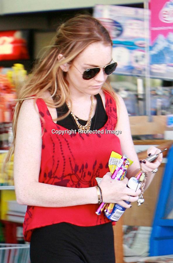 10-6-08.Lindsay Lohan eating with Samantha Ronson in Los angeles ..www.AbilityFilms.com.805-427-3519.Abilityfilms@yahoo.com