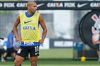 TREINO CORINTHIANS - SAO PAULO, 21 DE JANEIRO DE 2014 -  O jogador Emerson durante o treino de hoje,  no Ct. Dr. Joaquim grava, na zona leste da capital. foto: Paulo Fischer/Brazil Photo Press.