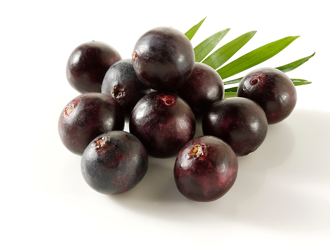 Photos & pictures of the Brazilian acai berries the super fruit anti oxident from the Amazon. Acai berries has been used to help weight loss. Stock fotos
