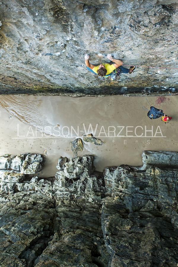 'Pan' E4 6a, No Man's Zawn, Pembroke