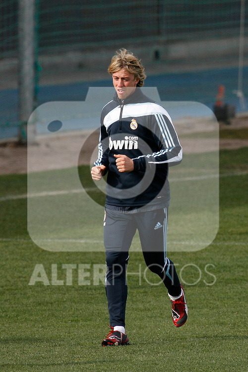 Madrid (02/03/10).-Entrenamiento del Real Madrid..Guti...© Alex Cid-Fuentes/ ALFAQUI..Madrid (02/03/10).-Training session of Real Madrid c.f..Guti...© Alex Cid-Fuentes/ ALFAQUI.