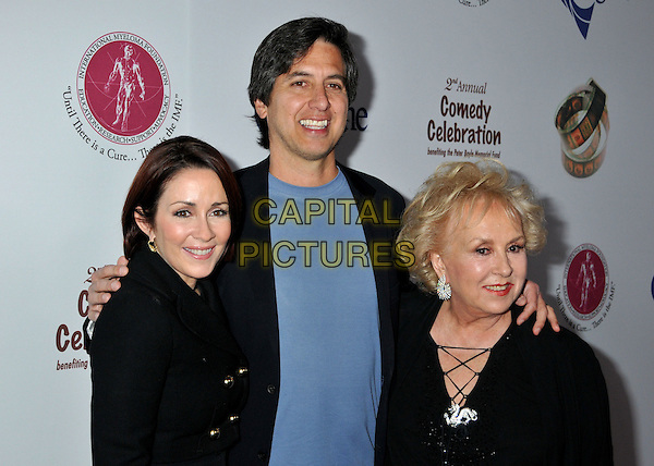 PATRICIA HEATON, RAY ROMANO & DORIS ROBERTS .2nd Annual Peter Boyle Comedy Celebration at the Wilshire Ebell Theatre, Los Angeles, CA, USA, .15 November 2008 .half length blue smiling  t-shirt black .CAP/ADM/BP.©Byron Purvis/Admedia/Capital PIctures