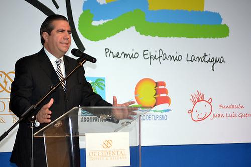 Francisco Javier García, ministro de Turismo