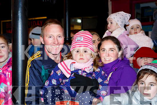 Chris, Sinead and Elaine O'Sullivan at the Kiilarney Christmas parade through the packed streets  on Saturday night