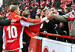01.12.2018, Stadion an der Wuhlheide, Berlin, GER, 2.FBL, 1.FC UNION BERLIN  VS.SV Darmstadt 98, <br /> DFL  regulations prohibit any use of photographs as image sequences and/or quasi-video<br /> im Bild Sebastian Andersson (1.FC Union Berlin #10) bei Unionfans <br /> <br />      <br /> Foto &copy; nordphoto / Engler
