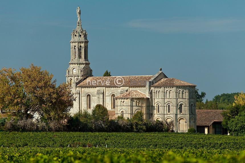 France, Gironde (33), estuaire de la Gironde, Bayon, église romane du 12e siècle // France, Gironde, estuary of the Gironde, Bayon, Romanesque church of the XIIth century