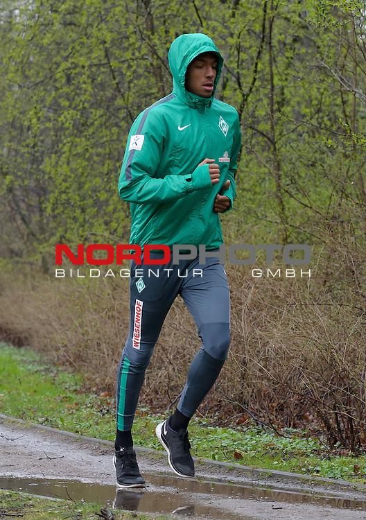 30.03.2015, B&uuml;rgerpark, Bremen, GER, 1.FBL, Training Werder Bremen, im Bild Melvyn Lorenzen (Bremen #28)<br /> <br /> Foto &copy; nordphoto / Frisch