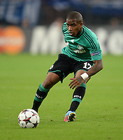 FUSSBALL   CHAMPIONS LEAGUE   SAISON 2013/2014   PLAY-OFF FC Schalke 04 - Paok Saloniki        21.08.2013 Jefferson Farfan (FC Schalke 04) am Ball