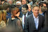 Der SPD-Bundesvorsitzende Sigmar Gabriel kommt am Samstag (14.12.13) in Berlin zur Bekanntgabe des Ergebnisses des SPD Mitgliederentscheids zur Gro&szlig;en Koalition mit der CDU/CSU. Die Mehrheit der SPD-Mitglieder sprach sich f&uuml;r eine Gro&szlig;e Koalition aus.<br /> Foto: Axel Schmidt/CommonLens<br /> <br /> Berlin, Germany, politics, Deutschland, 2013, Groko, Koalition, SPD, Mitglieder, Basis, Mitgliederentscheid, Entscheid, Mitgliedervotum, Votum, Ausz&auml;hlung