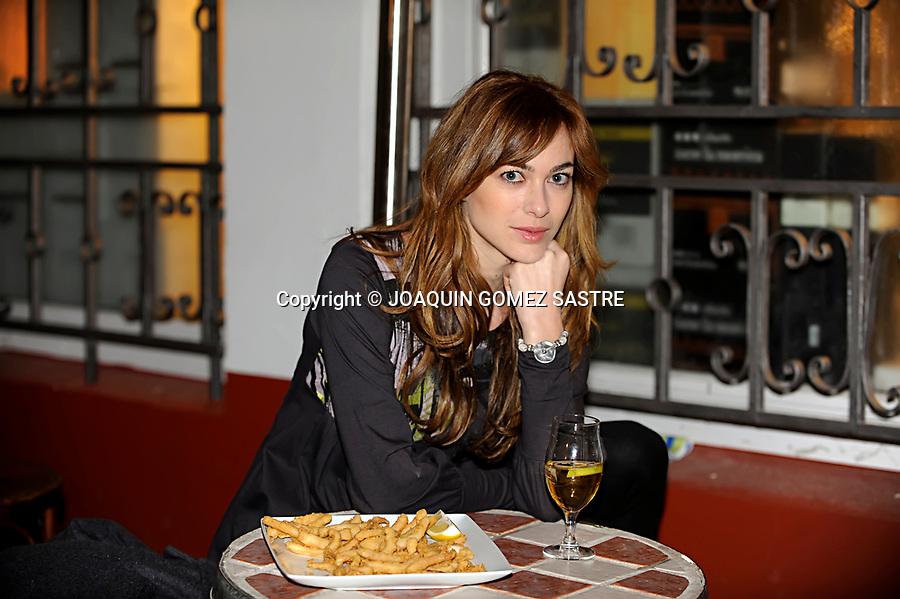 5 ENERO 2010 SANTANDER<br /> La actriz Marta Hazas en el Rio de la Pila para la seccion de Rabas.<br /> foto &copy; JOAQUIN GOMEZ SASTRE