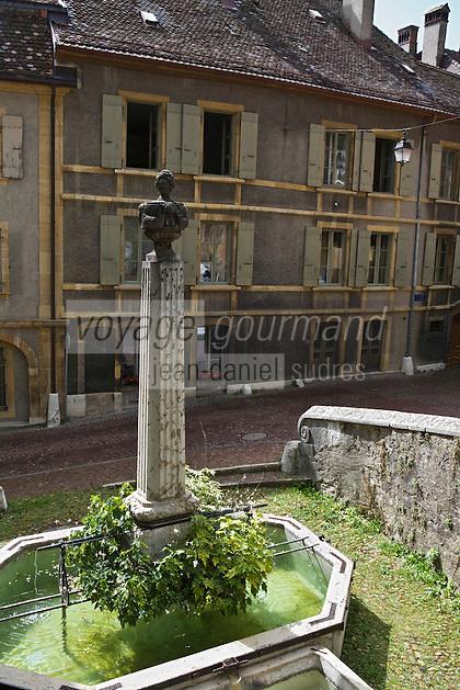 Europe/Suisse/Jura Suisse/ Neuchatel: Fontaine prés de la Tour des prisons