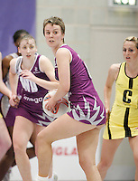 04 MAY 2007 - LOUGHBOROUGH, UK - Vicky Percy - Loughborough Lightning (Purple) v Northern Thunder (Yellow). (PHOTO (C) NIGEL FARROW)