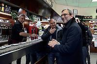 Roma, 11 Febbraio 2016<br /> Tour in periferia di Roberto Giachetti, candidato Sindaco di Roma per il PD<br /> A Tor Bella Monaca, municipio VI Roma delle Torri.<br /> In un bar del centro commerciale Le Torri per un caffè.