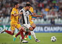Calcio, Champions League: Juventus vs Siviglia: Torino, Juventus Stadium, 14 settembre 2016. <br /> Juventus&rsquo; Sami Khedira, right, is challenged by Sevilla's Sergio Escudero during the Champions League Group H football match between Juventus and Sevilla at Turin's Juventus Stadium, 16 September 2016.<br /> UPDATE IMAGES PRESS/Isabella Bonotto