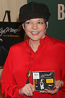 "Liza Minnelli signing her CD, ""Liza Minnelli: Live at the Winter Garden"" at Barnes & Noble Fifth Avenue in New York, 09.05.2012..Credit: Rolf Mueller/face to face /MediaPunch Inc. ***FOR USA ONLY***"