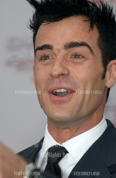 Actor JUSTIN THEROUX at the Hollywood premiere of  his new movie Charlie's Angels: Full Throttle..June 18, 2003.