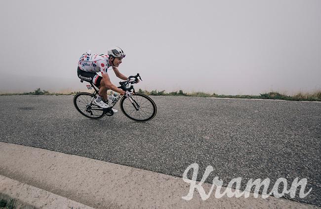 Warren Barguil (FRA/Sunweb) descending the Port de Bal&egrave;s (HC/1755m/11.7km/7.7%)<br /> <br /> 104th Tour de France 2017<br /> Stage 12 - Pau &rsaquo; Peyragudes (214km)