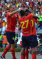 BARRANQUILLA - COLOMBIA -25-01-2014: Los Jugadores de Universidad Autonoma celebran el gol anotado durante del partido de la primera fecha de la Liga Postobon I-2014, jugado en el estadio Metropolitano Roberto Melendez de la ciudad de Barranquilla. / The players of Universidad Autonoma celebrate agoal scored during a match for the first date of the Liga Postobon I-2014 at the Metropolitano Roberto Melendez Stadium in Barranquilla city. Photo: VizzorImage  / Alfonso Cervantes / Str.
