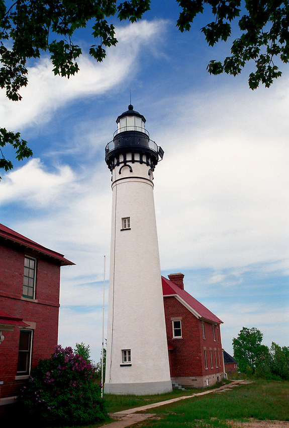 THE AU SABLE LIGHTHOUSE IN THE PICTURED ROCKS NATIONAL LAKESHORE NEAR GRAND MARAIS MICHIGAN.