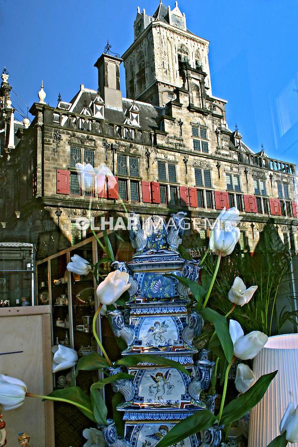 Vitrine de loja na cidade de Delft. Holanda. 2007. Foto de Marcio Nel Cimatti.