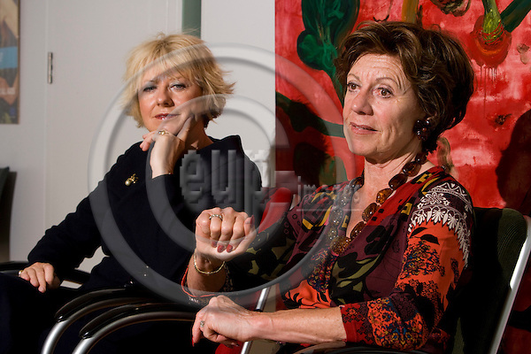 BRUSSELS - BELGIUM - 06 MAY 2008 -- Danish MEP Karin RIIS-JØRGENSEN (Le) (jorgensen, joergensen) and EU Commissioner Neelie KROES during an interview. Photo: Erik Luntang/EUP-IMAGES