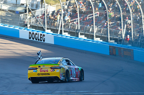 #18: Kyle Busch, Joe Gibbs Racing, Toyota Camry M&M's ceklebrates his win