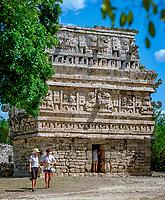 Mexiko, Yucatan, Chichen Itza: La Iglesia (die Kirche) | Mexico, Yucatan, Chichen Itza: La Iglesia (the Church)
