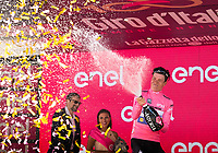 ITALIA. 09-05-2017. Bob Jungels -LUX- (Quick-Step Floors) celebra como nuevo líder general del Giro de Italia 2017 después de la etapa 4 entre Cefalu' a Etna con 181 kms de la versión 100 del Giro de Italia hoy 09 de mayo de 2017. / Bob Jungels -LUX- (Quick-Step Floors) celebrates as overal leader of the Giro D'Italia 2017 after stage 4 between Cefalu' to Etna with 181 kms of the 100 version of the Giro d'Italia today 09 May 2017 Photo: VizzorImage/  Massimo Paolone / LaPresse<br /> VizzorImage PROVIDES THE ACCESS TO THIS PHOTOGRAPH ONLY AS A PRESS AND EDITORIAL SERVICE AND NOT IS THE OWNER OF COPYRIGHT; ANOTHER USE HAVE ADDITIONAL PERMITS AND IS  REPONSABILITY OF THE END USER