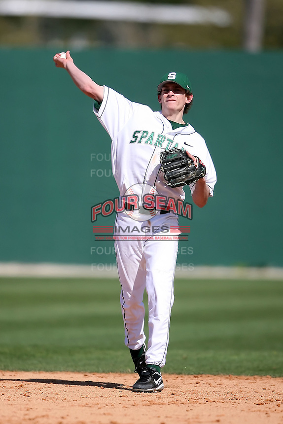 February 20, 2009:  Shortstop Jonathan Roof (3) of Michigan State University during the Big East-Big Ten Challenge at Jack Russell Stadium in Clearwater, FL.  Photo by:  Mike Janes/Four Seam Images