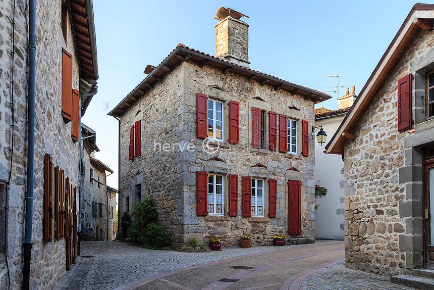 France, Cantal (15), Marcolès, intérieur du village médiéval // France, Cantal, Marcoles, inside the medieval village