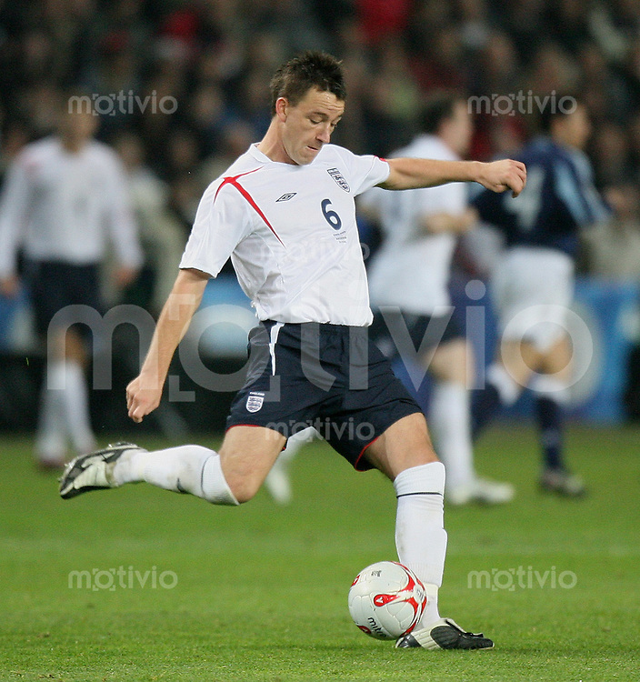 Fussball International Testspiel England 3-2 Argentinien John Terry (ENG) am Ball