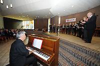 """CULTUUR: Joure: 05-04- 2014, Zangconcours van de Bond van koren in Friesland, Kerkkoor ''Te Wûnderlik"""" uit Lippenhuizen Lippenhuizen, ©foto Martin de Jong"""