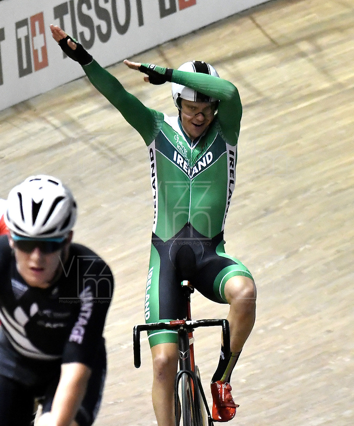 CALI – COLOMBIA – 17-02-2017: Mark Downey de Irlanda gana medalla de oro en la prueba puntos 30 kilometros, varones, en el Velodromo Alcides Nieto Patiño, sede de la III Valida de la Copa Mundo UCI de Pista de Cali 2017. / Mark Downey of Ireland win the gold medal in Points Race 30 kilometers at the Alcides Nieto Patiño Velodrome, home of the III Valid of the World Cup UCI de Cali Track 2017. Photo: VizzorImage / Luis Ramirez / Staff.