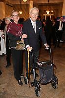 Martin Böttcher mit Tochter Betsy bei der Verleihung des 38. Bayerischen Filmpreises 2016 im Prinzregententheater. München, 20.01.2017