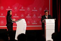 Elections Montr&eacute;al 2017 : debat francophone a la Chambre de commerce du Montreal m&eacute;tropolitain, jeudi le 19 octobre 2017<br /> <br /> <br /> Anime par Fran&ccedil;ois Cardinal, editorialiste en chef et directeur de la section Debats du quotidien La Presse, le debat reuni  les principaux candidats &agrave; la mairie de Montreal : Denis Coderre  ainsi que Valerie Plante, cheffe de Projet Montreal. <br /> <br /> <br /> PHOTO :  <br />  -  Agence quebec Presse
