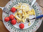 Breakfast of scrambled eggs and tomatoes, Manusammano  Terme, Tuscano, Italy