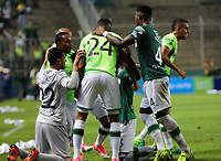 PALMIRA -COLOMBIA-14-06-2017. Jugadores del Deportivo Cali celebran después de anotar un gol a Atlético Nacional durante partido de ida por la final de la Liga Aguila I 2017 jugado en el estadio Palmaseca de la ciudad de Palmira. / Players of Deportivo Cali celebrate after scoring a goal to Atletico Nacional during first leg match for the final of the Aguila League I 2017 played at Palmaseca stadium in Palmira city.  Photo: VizzorImage/ Nelson Rios /Cont