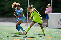 Seattle, WA - Sunday, May 22, 2016: Seattle Reign FC defender Elli Reed (7) looks to make a pass during a regular season National Women's Soccer League (NWSL) match at Memorial Stadium. Chicago Red Stars won 2-1.