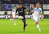 Makoto Hasebe (Eintracht Frankfurt) gegen Ciro Immobile (Lazio Rom) - 04.10.2018: Eintracht Frankfurt vs. Lazio Rom, UEFA Europa League 2. Spieltag, Commerzbank Arena, DISCLAIMER: DFL regulations prohibit any use of photographs as image sequences and/or quasi-video.