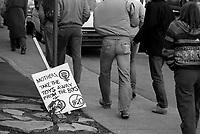 Manifestation contre les armes nucleaires, notamment les missiles SS-20 en europe de l'ouest, le 22 octobre 1983<br /> <br /> PHOTO : Pierre Roussel -  Agence Quebec Presse
