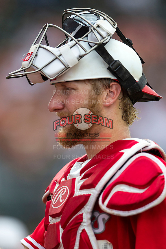 Houston Cougars catcher Caleb Barker (27) before the NCAA baseball game against the Texas Longhorns on June 6, 2014 at UFCU Disch–Falk Field in Austin, Texas. The Longhorns defeated the Cougars 4-2 in Game 1 of the NCAA Super Regional. (Andrew Woolley/Four Seam Images)
