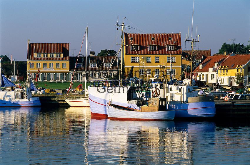 Denmark, Zealand, Gilleleje: Fishing harbour   Daenemark, Insel Seeland, Gilleleje: Fischereihafen