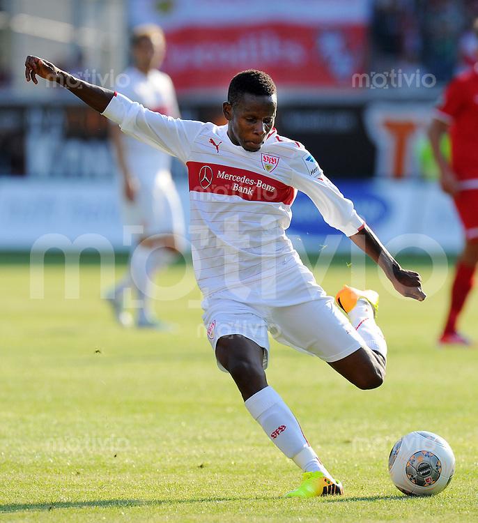 FUSSBALL  1. Bundesliga   2013/2014   Testspiel  FC Heidenheim - VfB Stuttgart   13.07.2013 Ibrahima Traore (VfB Stuttgart) am Ball