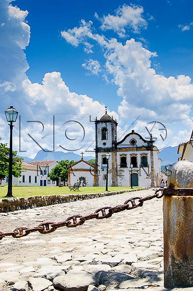 Igreja de Santa Rita e Largo de Santa Rita no centro histórico, Paraty- RJ, 01/2014.